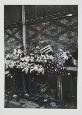 Eguene Atget photo of a vegetable stand